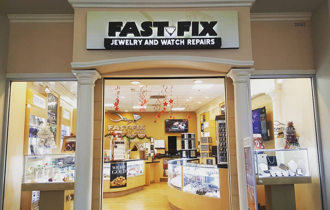 Store front of a Fast Fix franchise