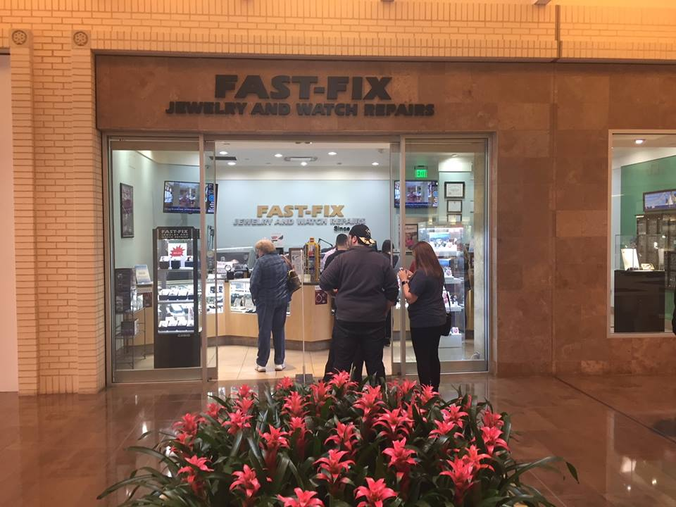 Entrance of a Fast Fix store